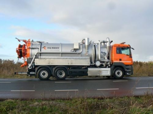 sewer combi vacuum truck for rent aqrent 6.JPG